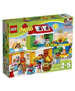10836-lego-town-square-1